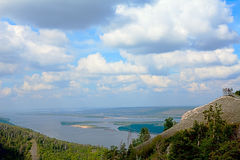 Espèces de Panoramma des montagnes de Strelna chez la Volga Images stock