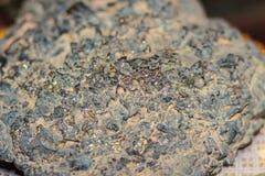 Espécime do minério do ouro da natureza da mineração do ouro para a educação foto de stock royalty free