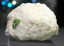 Espécimen verde enorme del pargasite de Paquistán Fotos de archivo