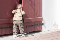 Espías del niño Fotografía de archivo libre de regalías