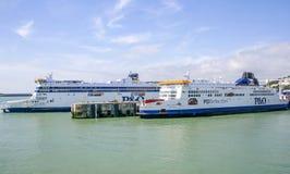 Espírito transversal das balsas do canal de Grâ Bretanha e orgulho de Kent em Dover Harbour imagens de stock