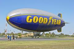 Espíritu de América del dirigible no rígido de Goodyear atracado imagen de archivo libre de regalías