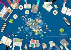 Espaço de trabalho do vetor para reuniões de negócios e sessão de reflexão Conceitos tradicionais e bandeiras da Web, imprensa e  ilustração do vetor