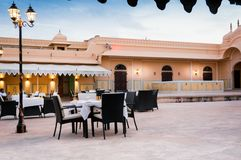 Espaço elegante comer dentro do forte de Rajasthani Imagem de Stock