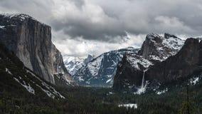 Espaço livre da opinião do túnel do TL Yosemite vídeos de arquivo
