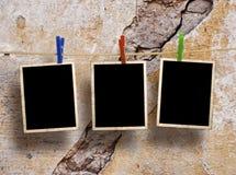 Espaços em branco da película que penduram em uma corda Foto de Stock