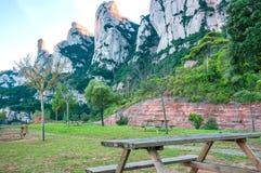 españa cataluña Camino en Santa Maria de Montserrat Abbey Picni Fotografía de archivo