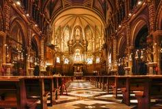españa cataluña Interior de la iglesia de Montserrat La abadía es Fotos de archivo