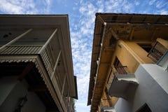 Espace étroit entre les bâtiments au Panama Image libre de droits