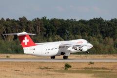 Espace britannique suisse Avro RJ100 Images stock