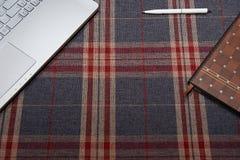 Espace de travail à la maison, cage de fond Photographie stock libre de droits