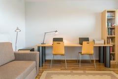 Espace de travail à la maison pour l'idée deux Image stock