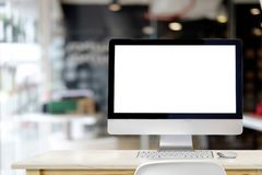 Espace de travail élégant avec l'ordinateur sur le bureau Photo libre de droits