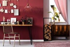 Espace de travail avec des rondins de bois Image libre de droits