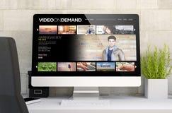 espace de travail avec la vidéo sur demande Photos stock