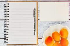 Espace de travail avec le concept vide de carnet Photographie stock libre de droits