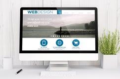 espace de travail blanc avec le calibre de web design Photo stock