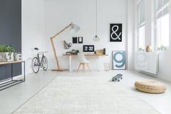 Espace de travail blanc et gris Photos stock