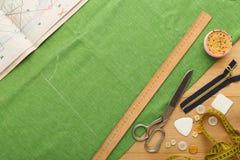 Espace de travail de couturier, vue supérieure Images stock