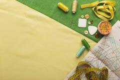 Espace de travail de couturier, vue supérieure Photographie stock libre de droits