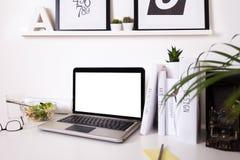 Espace de travail créatif moderne Images stock