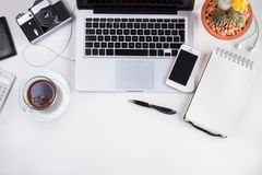 Espace de travail dénommé avec l'ordinateur portable Photo libre de droits