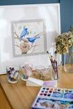 Espace de travail d'oiseaux de dessin de photo de peinture d'art Photographie stock