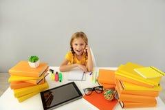 Espace de travail d'une fille d'école Image libre de droits