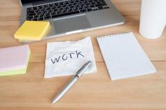 Espace de travail dans le bureau Photos libres de droits