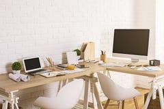Espace de travail de concepteur dans l'intérieur Photos stock