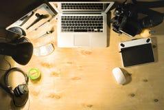 Espace de travail du ` s de photographe Vue supérieure Images libres de droits
