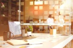 Espace de travail et accessoire de bureau Photo libre de droits