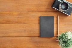 Espace de travail minimal - l'appartement créatif étendent la photo du bureau d'espace de travail Photographie stock
