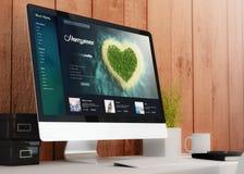 espace de travail moderne avec le site Web romantique de voyage d'ordinateur Image stock