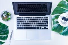 Espace de travail plat de siège social de configuration Images stock