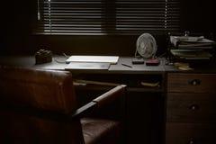 Espace de travail sur la table noire d'un photographe Images stock