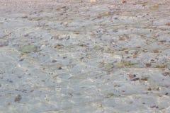 Espace libre et eau propre sur la plage Photos libres de droits
