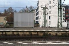 Espace publicitaire vide à la plate-forme Image stock