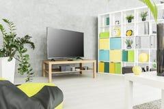 Espace vital moderne pratique et confortable Images stock