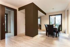 Espacio abierto en el nuevo apartamento Imagen de archivo libre de regalías