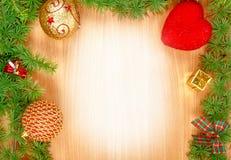 Espacio blanco en blanco en la tarjeta de felicitación de madera por los días de fiesta del Año Nuevo Foto de archivo libre de regalías