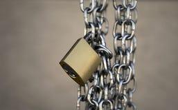 Espacio de cadena de la copia del candado Fotos de archivo libres de regalías