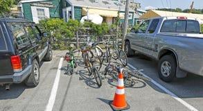 Espacio de estacionamiento de la parte de las bicicletas Foto de archivo libre de regalías