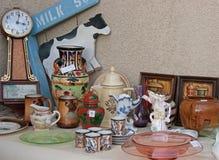 Espacio de exhibición de la venta del estado de la yarda del garaje para la muestra Imagenes de archivo