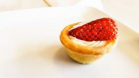 Espacio de la copia de Mini Strawberry Tart o del Tartlet Fotografía de archivo