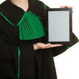 Espacio de la copia del espacio en blanco de la tableta de los controles del abogado de la mujer Foto de archivo libre de regalías