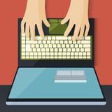 Espacio de trabajo con el ordenador portátil y las manos Foto de archivo