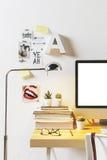 Espacio de trabajo creativo moderno Fotografía de archivo libre de regalías