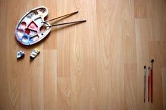 Espacio de trabajo del ` s del pintor Foto de archivo
