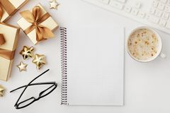 Espacio de trabajo de la Navidad imágenes de archivo libres de regalías